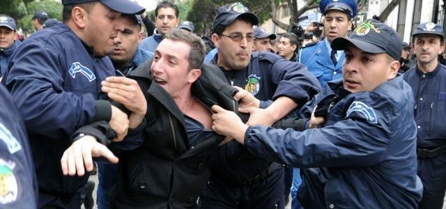 الجزائر : نهج سياسة القمع والترهيب والاعتقالات في تخويف وتهديد الشعب قبل انتخابات 12 يونيو…!!