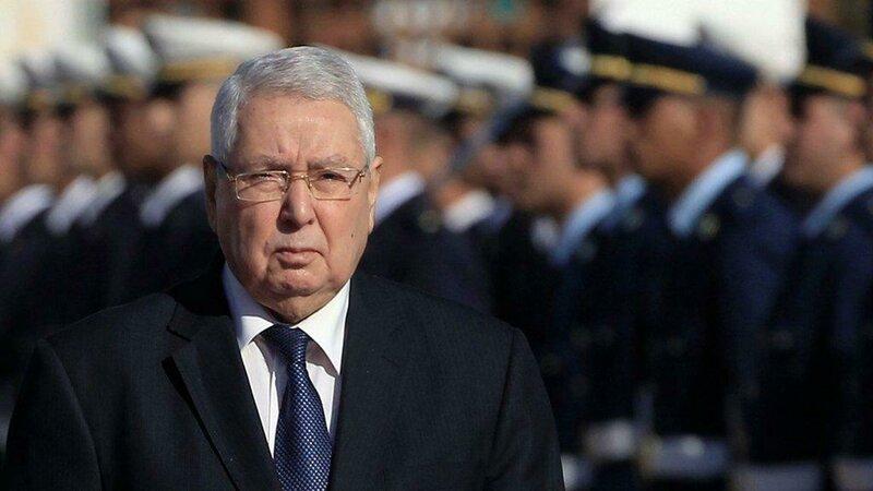 رحيل رئيس الجزائر السابق عبد القادر بن صالح بعد أيام من وفاة الرئيس الأسبق بوتفليقة