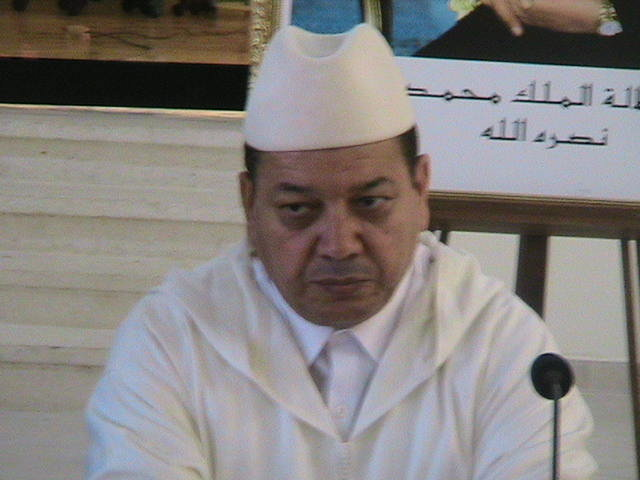 VIDEO العلامة الدكتور مصطفى بنحمزة يجيب على الاستفسارات المتعلقة بانحراف بعض مساجدنا عن القبلة
