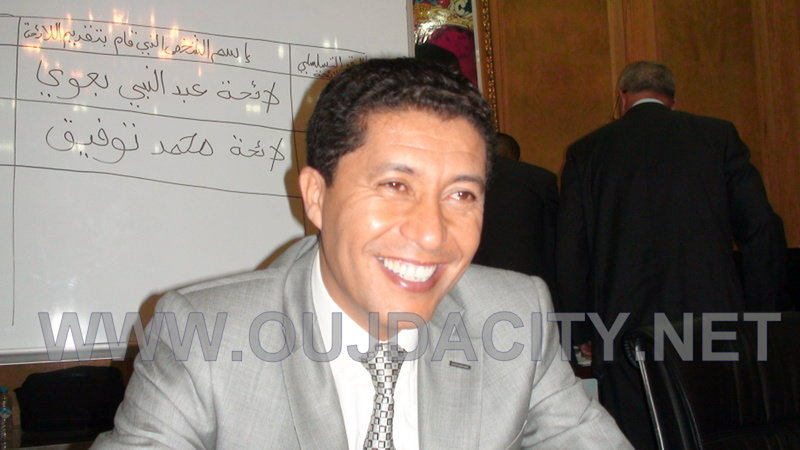 رئيس مجلس جهة الشرق يهنيء التلاميذ المتفوقين في امتحانات الباكاوريا وكذا جميع الفاعلين التربويين