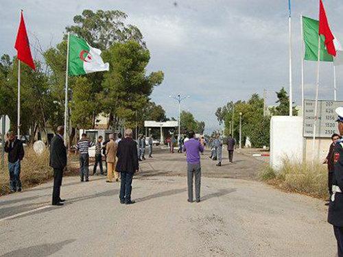 هل يلتقط المسؤولون الجزائريون حبل النجاة الذي القى به الملك اليهم ؟!