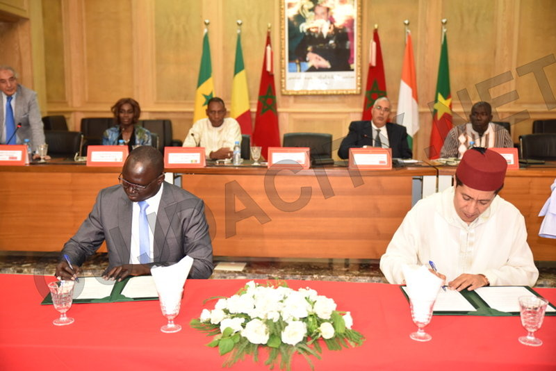 VIDEO السيد عبد النبي بعوي رئيس جهة الشرق يوقع اربع اتفاقيات شراكة مع جهات افريقية