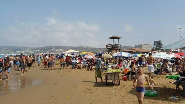 شاطئ السعيدية : السيبة والفوضى العارمة